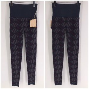 NWT M. RENA LEGGINGS pants Sweater Print ONE SIZE